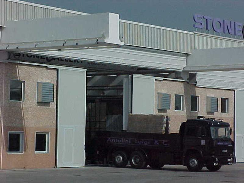 fast acting industrial fold up door pack crane