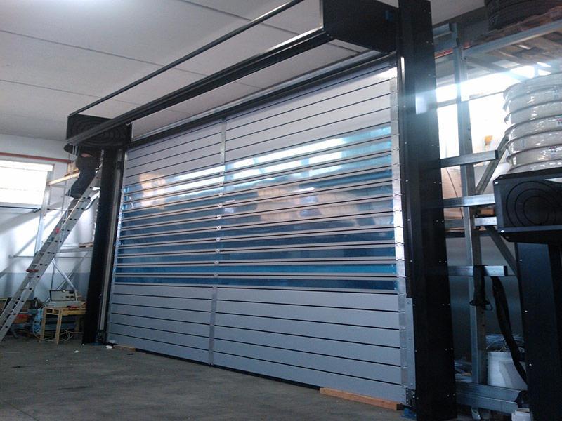 puerta enrollable industrial aislada spiral iso40