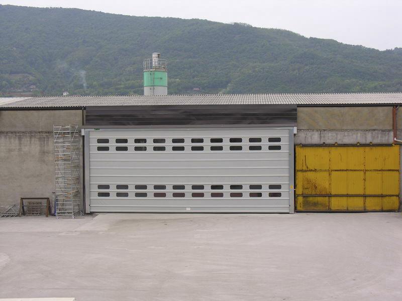 puerta rápida plegable para nave industrial